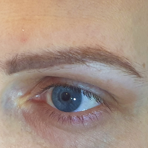 Wellness Centre in Little Chalfont and Amersham. Facial aesthetics. Ombre brows